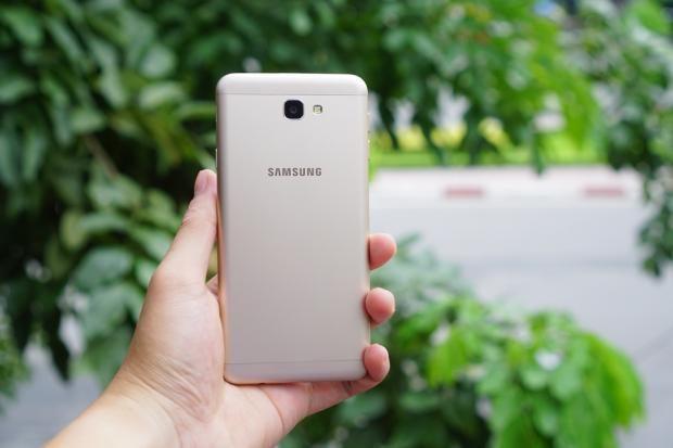 Samsung Galaxy J7 Prime 12