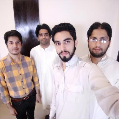 Wide-Angle-Group-Selfie